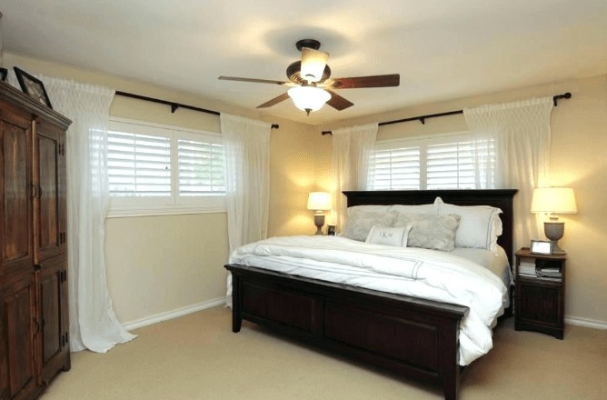 the benefits of bedroom ceiling fans with lights