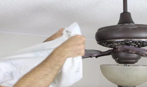 clean ceiling fans for kitchen