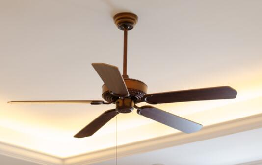 average costs on hanging a ceiling fan